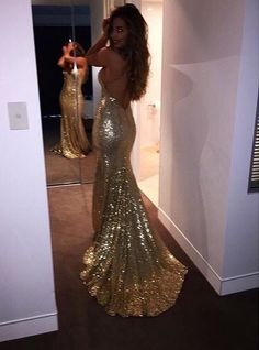 Gold backless form-fitting dress