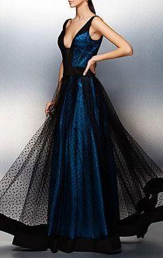 A-line/Princess V-neck Floor-length Tulle Evening Dress