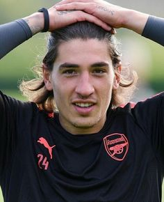 English Premier League, Football Players, Cute Guys, Arsenal, Twilight, Sexy Men, Honey, Handsome, Long Hair Styles