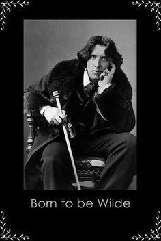 Oscar Fingal O'Flahertie Wills Wilde.  Author, Poet, Playwright. 1854-1900.  Photograph (1882) by Napoleon Sarony.