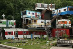 communal living | Very nice! I wonder if this is an extended family or…? In any case ...