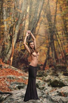 sexy topless in autumn Perfect Brunette, Photoshoot Inspiration, People Photography, Kinky, Pin Up, Ballet Skirt, Autumn, Sexy, Beauty
