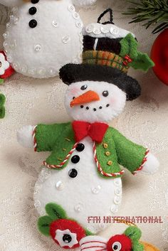 Bucilla Let It Snowman 6 Piece Felt Christmas Ornament Kit 86186 Frosty Lady…