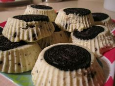 perfect for a black n white themed NYE party! Cookies And Cream Cheesecake, Cheesecake Cupcakes, Most Popular Recipes, Eat Dessert First, Dessert Recipes, Desserts, Party Party, Candies, Delish