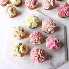 Pink Flower Cupcakes_   #bloomingblossoms #flowercake #buttercream #buttercreamflowers #handmade #cake #birthdaycake #cakestagram #cakedesign #cupcakes #flowers #wedding #gifts #birthday #bridalshower #LAbakingclass #LAflowercake #wiltoncakes #kitchenaid #pink #peonies #kingarthurflour #플라워케이크 #버터크림플라워케이크 #꽃 #엘에이 #LA플라워케이크 #엘에이플라워케이크