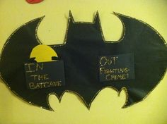 a pretty sweet in/out sign that BatShane has on her door :)