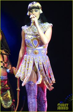 See ALL of Katy Perry's Crazy 'Prismatic Tour' Costumes Here! | see all of katy perry crazy prismatic tour costumes here 45 - Photo