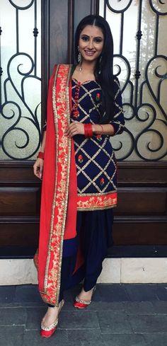 M-Preet Indian salwar kameez Press VISIT link above for more options Indian Suits, Indian Attire, Indian Dresses, Indian Wear, Designer Punjabi Suits, Indian Designer Wear, Punjabi Fashion, Asian Fashion, Saris