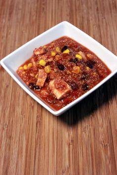 Slow Cooker Quinoa Chicken Chili << an Apollo & Co recipe (TGWAE)