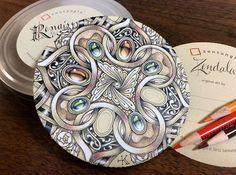 #zentangle #zendoodle #doodle #tangle #zenart #illustration #pendrawing #ペン画#ゼンタングル #イラスト #mandala #coloredpencil #色鉛筆 #曼荼羅