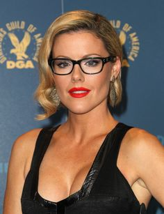 73a3352eb2 Kathleen Robertson Girls With Glasses
