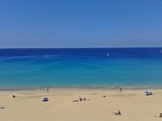 Así está la playa hoy. Dense un bañito y relajense que todavía queda mucho día por delante.  Playa de La Cebada en Morro Jable Fotos de N.A