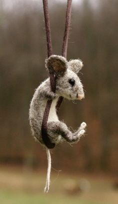 Swinging Mouse handmade by Nancy Bevins
