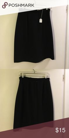 Casual corner black aline skirt Fully lined. Back zip casual corner Skirts A-Line or Full
