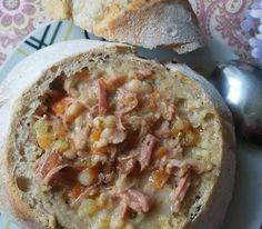 Helenkine dobroty - Kváskové bosniaky Quiche, Oatmeal, Breakfast, Food, The Oatmeal, Morning Coffee, Rolled Oats, Essen, Quiches