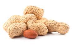 Arachidi. Per assicurarvi un apporto di rame ottimale acquistate arachidi non tostate e utilizzatele come le noci e le nocciole per preparare piatti e spuntini saporiti e ricchi di preziosi nutrienti.