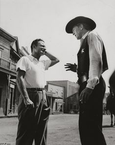 """On the set of """"High Noon"""" (1952) Director: Fred Zinnemann."""