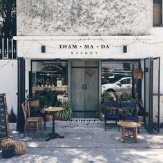 thammada shop cafe in bangkok (pinterest @softcoffee)