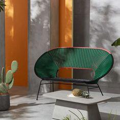 Salons et meubles de balcon: notre shopping malin - Marie Claire Outdoor Chairs, Outdoor Furniture, Outdoor Decor, Cosy Corner, Aluminium, Candle Holders, Marie Claire, Home Decor, Shopping