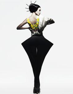 """fromobscuretodemure: """" Meng Huang, Kiki Kang and Liu Li Jie by Yin Chao for Harper's Bazaar China September """" Fashion Forms, Fashion Art, Fashion Models, High Fashion, Womens Fashion, Fashion Design, Couture Mode, Couture Fashion, Fashion Shoot"""