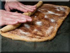 How to Make Cinnamon Rolls (Anadama Bread Recipe) Greek Sweets, Greek Desserts, Greek Recipes, Fudgy Brownie Recipe, Brownie Recipes, Dessert Recipes, Anadama Bread, Food Network Recipes, Cooking Recipes