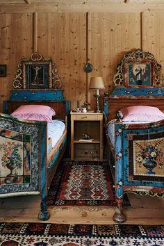 Chalet Chic, Chalet Style, Chalet Design, Design Design, Alpine Chalet, Swiss Chalet, Alpine Mountain, Chalet Interior, Home Interior
