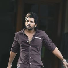 Dj Movie, Allu Arjun Wallpapers, South Hero, Allu Arjun Images, Galaxy Pictures, Star Images, Poses For Men, Actor Photo, Cute Actors
