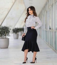 Classy Outfits, Beautiful Outfits, Cute Outfits, Fashion 2018, Fashion Brands, Womens Fashion, Office Fashion, Business Fashion, Skirt Outfits