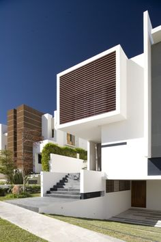 Modern Architecture by Ricardo Agraz