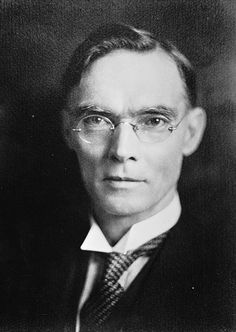 This is Ernest Clayton Andrews, a teacher at #Hurstville, Fort Street High School and #Bathurst before gaining a degree in #geology at #SydneyUniversity. He joined the staff of the Geological Survey on 1st July 1899 and was Government Geologist from 1920 till his retirement on 4th December 1931. He contributed many glass negatives of the geology of #NSW to the Photographic Collection of the Geological & Mining Museum. #ThrowbackThursday http://www.trade.nsw.gov.au/legal/copyright