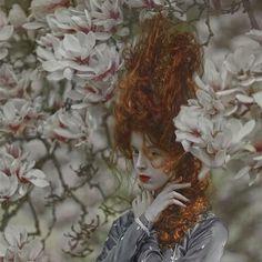 "Gefällt 451 Mal, 17 Kommentare - A.M Lorek (@agnieszka_lorek) auf Instagram: ""Ophidia✨  MUA: @daria_berendt_makeup_artist ✨ #agnieszkalorek #Ophidia #flowers #magnolia #magic…"""