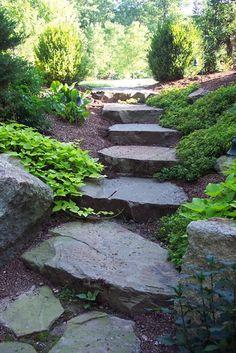 Gorgeous 120+ Simple Rock Walkway Ideas to Apply on Your Garden https://homstuff.com/2017/07/06/120-simple-rock-walkway-ideas-apply-garden/