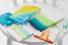 自分で染色できるプラスチックの椅子「Dye It Yourself」