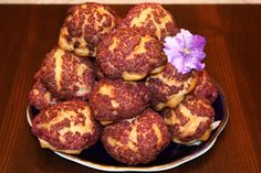 """Prăjiturile """"Choux à la crème"""" cu craquelin și cremă fiartă din ouă și smântână (tip crème patissiere)! - Retete-Usoare.eu"""
