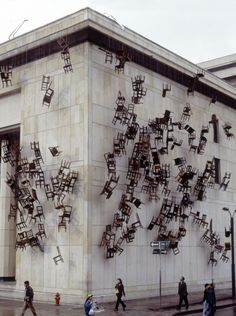 Installation: Doris Salcedo in Bogota, Columbia.