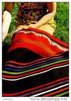 Olkarainen    Rovaniemi. Lapin Raanu art weavers. design Elsa Montell Saanio      . Picnic Blanket, Outdoor Blanket, Folk Art, Elsa, Contemporary Art, Weaving, Stripes, Cottage, Inspiration