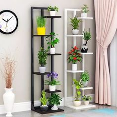 Phenomenal 12 Interesting Flower Shelf Design Ideas As Your Home Decoration To have a flower shelf with attractive characters to look elegant and modern can be created quickly. If you have considered making creativity related . Balcony Flowers, Balcony Plants, House Plants Decor, Home Decor Furniture, Diy Home Decor, Room Decor, Indoor Flower Pots, Indoor Garden, Diy Plant Stand