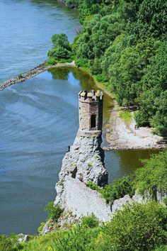 The maiden tower at Devin Castle, on the shores of the Danube river in Bratislava, Slovakia. Beautiful Castles, Beautiful World, Beautiful Places, Places To Travel, Places To See, Danube River Cruise, Bratislava Slovakia, Central Europe, Eastern Europe