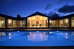 Superb dream home! Robinson Family, Swimming Pools, New Homes, Mansions, House Styles, Building, Ideas, Home Decor, Lush