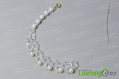 Looking for bead necklace designs? What about this crystal glass bead necklace? Just check the detailed tutorial below to see how to make this crystal glass bead necklace. Handmade Pearl Jewelry, Diy Jewelry, Jewelry Making, Beads And Wire, Pearl Beads, Crystal Necklace, Bead Necklaces, How To Make Crystals, Beaded Jewelry Patterns