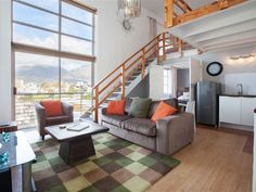 Harbour Terrace 48 - Harbour Terrace is a secure complex that is centrally situated in the heart of Cape Town, in De Waterkant. This trendy area with accentuated, colourful original houses, together with cobble-stoned and .