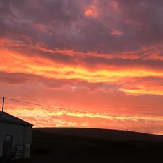 Stunning #sunrise  over the Barn this morning - looks like a river of molten lava