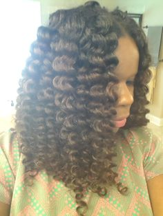 Beautiful! | NO HEAT! Flexi Rod Set on Natural Hair--creates waves rather than spiral curls. How to use flexi rods on natural and relaxed hairstyles, tutorials for short and long hair, big curls http://www.shorthaircutsforblackwomen.com/flexi-rods-on-natural-hair/