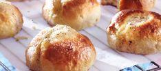 Voisilmäpullat | Makeat leivonnaiset | Reseptit – K-Ruoka Pretzel Bites, Hamburger, Muffin, Bread, Vegan, Baking, Breakfast, Recipes, Food