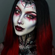 WEBSTA @ ellie35x - Closer look at my Mother of Bats look!❤️Amazing wig is from @trendywigs and you can use the code EH35 for 35% Off!