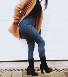 Mode Für Schwarze Frauen, Mode Outfits, Kurviger Körper Inspiration, Stil  Inspiration, Training 6309524235