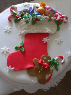 The cutest Christmas cake Christmas Themed Cake, Christmas Cake Designs, Christmas Cake Decorations, Christmas Cupcakes, Christmas Sweets, Holiday Cakes, Christmas Cooking, Christmas Goodies, Xmas Cakes