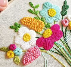 Awesome Most Popular Embroidery Patterns Ideas. Most Popular Embroidery Patterns Ideas. Hand Embroidery Stitches, Crewel Embroidery, Hand Embroidery Designs, Ribbon Embroidery, Cross Stitch Embroidery, Embroidery Patterns, Floral Embroidery, Knitting Stitches, Diy Broderie