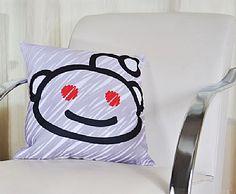 Viciado em Reddit? Somos todos. Que tal ficar abraçado com esta almofada do alienígena Snoo Reddit enquanto navega em seu site preferido?