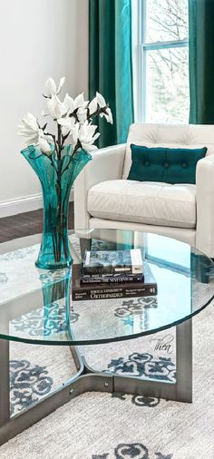 Turquoise ● Spaces ~ Tнεα.  Via @theatoria. #turquoise #homedecor